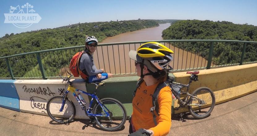 Puerto Iguazu e Foz do Iguaçu: Ponte Brasil e Argentina