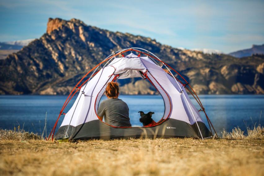 Tipo de barraca varia com o clima do acampamento