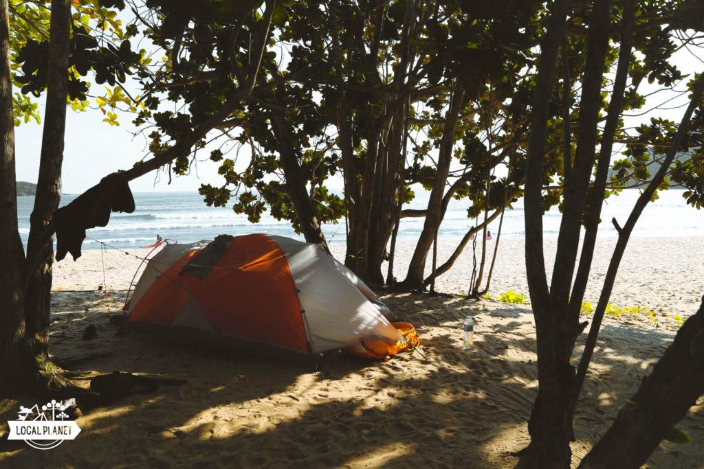 Barraca de camping na Praia do Sono, RJ